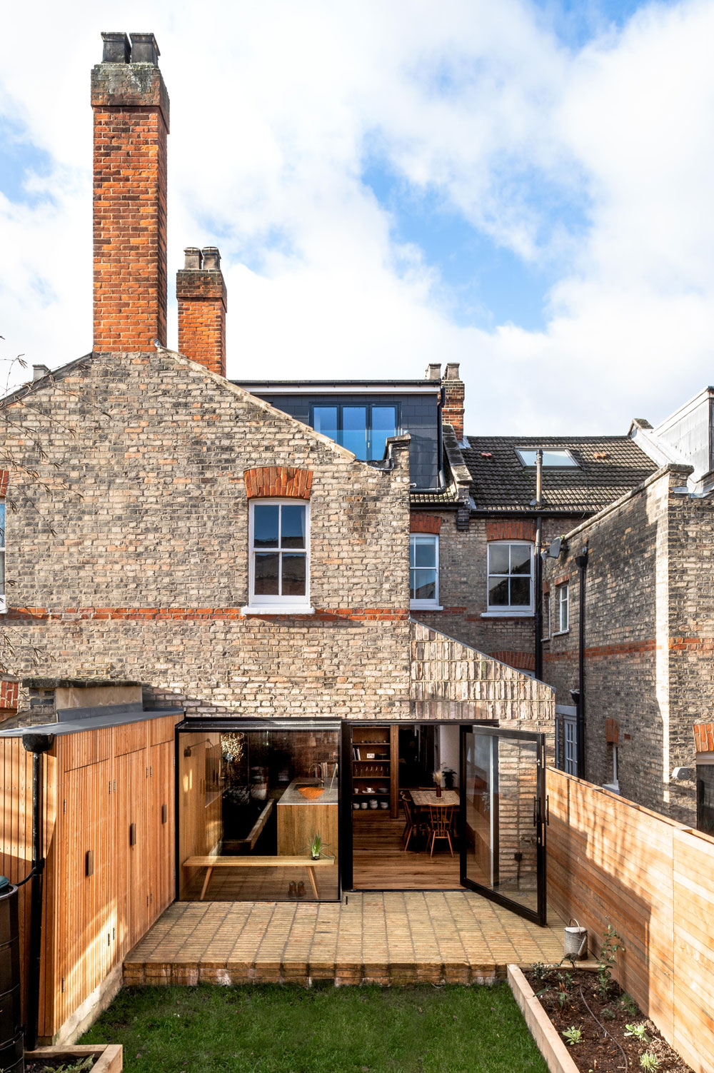 Side-Return-Extension-Crouch-End-Brick-Slips-London-PIvot-DOor